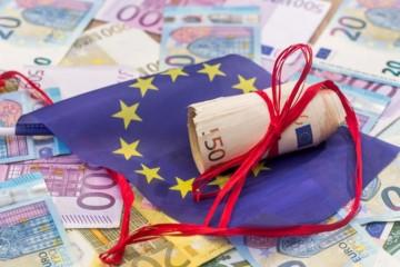 1291a2c41 Európska únia vyzvala 19 krajín, aby navrhli plán financovania rozpočtu  eurozóny