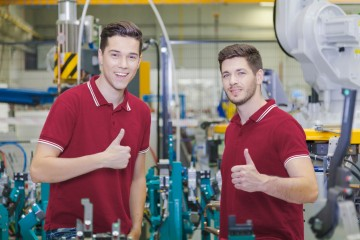 Duálne vzdelávanie firmy chvália, trh práce má však problémy, na ktoré tento systém nestačí