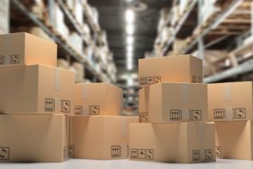Zásielky z tretích krajín sa budú preclievať zjednodušene, obmedzením je však cena tovaru