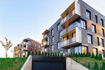 Nových bytov je čoraz menej, budúci vývoj realitného trhu je neistý
