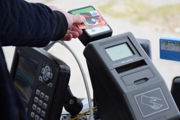 Slovak Lines spustil bezkontaktné platby kartou v autobusoch do Viedne