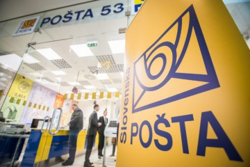 Pošta pre koronavírus predĺži úložnú dobu zásielok, zastaví komerčné služby a distribúciu letákov
