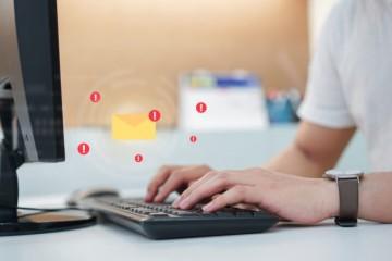 Finančná správa upozorňuje na podvodné emaily, lákajú od ľudí citlivé údaje