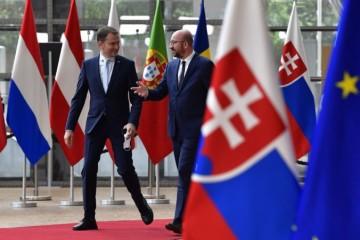 Lídri EÚ v Bruseli rokujú o financiách na obnovu po koronakríze, dohoda je dôležitá aj pre Slovensko