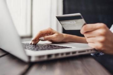Takmer polovica zákazníkov odmieta obchodovanie s ich dátami, vzrástli obavy z kyberútokov