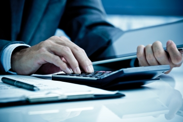 Nové daňové pravidlá sa týkajú aj finančných agentov a poradcov