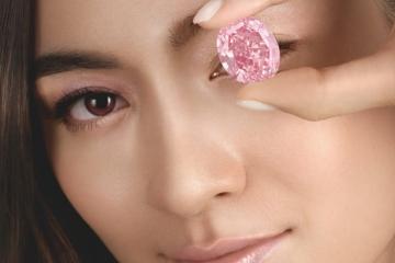 Najdrahším vydraženým diamantom sveta sa stal Pink Star
