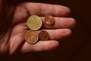 Chudoba ohrozuje vyše osemstotisíc Slovákov