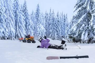 Záchranná akcia pre zraneného lyžiara