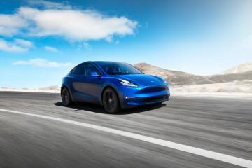 Automobilka Tesla predstavila SUV, prichádza Model Y