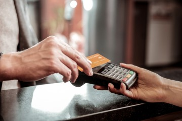 Bezkontaktná platba kartou