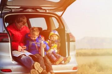 Drvivá väčšina Slovákov plánuje v lete dovolenku na Slovensku, skoro polovici klesol príjem