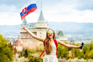 Pomôžme Slovensku po kríze. Podať ruku môže každý – ako na to?