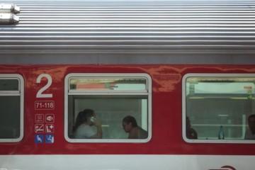 Staršieho muža prichytili vo vlaku pri masturbácii, polícia rieši už dva podobné prípady (foto)