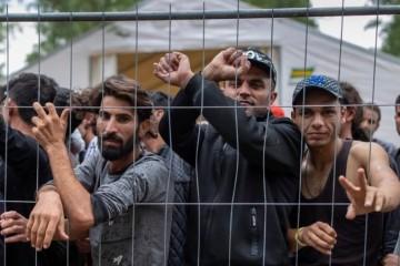 Litva viní Bielorusko z narušenia hranice, dôstojníci nelegálne tlačili migrantov do krajiny