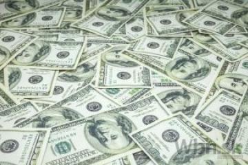 Dolár stúpol oproti euru, ale oslabil voči jenu