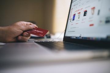 Internet banking na Slovensku ľudí sklamal,  ocenili ochotu call centier