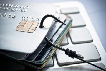 Polícia varuje pred podvodníkmi, k vašim peniazom sa dostanú aj predajom neexistujúceho tovaru