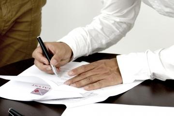 Diskusia o províziách finančných agentov odhaľuje množstvo chýb