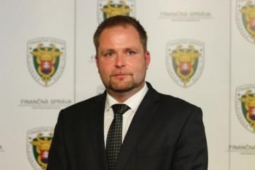 Heger uviedol do funkcie nového šéfa finančnej správy a očakáva, že úrad posunie vpred