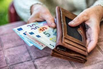 Dôchodky na Slovensku rástli, starobných penzistov je oproti predošlému roku o 10-tisíc viac