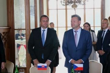 Slovensko a Česko by mali vo vzťahu k EÚ postupovať spoločne, spoločný hlas je podľa Danka silnejší