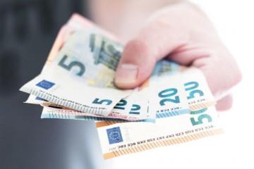 Dávku v nezamestnanosti v súčasnosti na Slovensku dostáva najviac ľudí od roku 2004