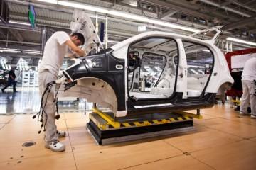 Veľké fabriky veria, že sa Slovensko vyhne tvrdému lockdownu. Celohospodárske dôsledky by boli značné
