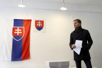 Politické strany zinkasujú za voľby viac peňazí, hnutie OĽaNO má dostať vyše 21 miliónov eur