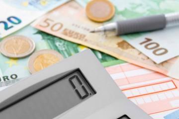 Platy sa zvýšili o takmer osem percent, v priemere Slováci zarábajú 1092 eur