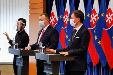 Tlačová beseda ministra práce Milana Krajniaka a ministra financií Eduarda Hegera
