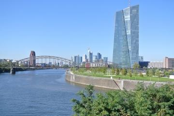 ECB: Problematické úvery začínajú byť nebezpečné!