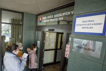 Nezamestnanosť sa zvýšila vo všetkých okresoch Slovenska, najviac v Rimavskej Sobote