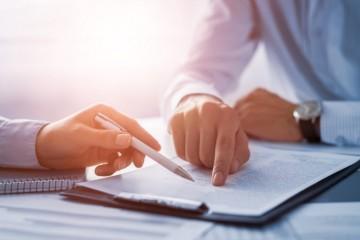 Väčšina zamestnávateľov na Slovensku nevie nájsť dostatok uchádzačov, prieskum ukázal rekordnú úroveň