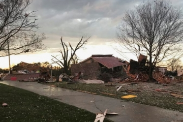 Video: Štátom Alabama sa prehnalo prvé drsné počasie v roku, silné búrky vyvolali tornáda