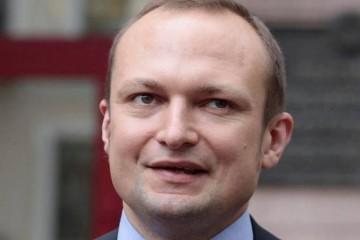 """Väznený novinár Skurka potrebuje urgentnú hospitalizáciu, Lukašenko pokračuje v """"čistiacej operácii"""""""