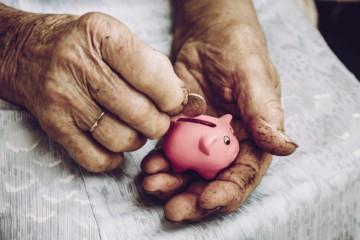 Minimálne dôchodky sa od budúceho roka zmrazia, Sociálna poisťovňa ušetrí desiatky miliónov