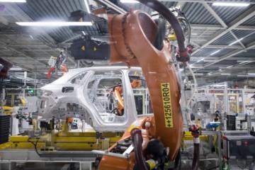 Volkswagen prerušil výrobu na dva týždne, zamestnanci dostanú náhradu mzdy