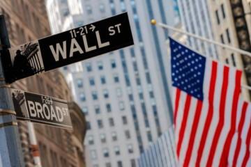 Vakcíny voči koronavírusu pretvárajú burzu, hlavné indexy Wall Street prepísali historické maximá