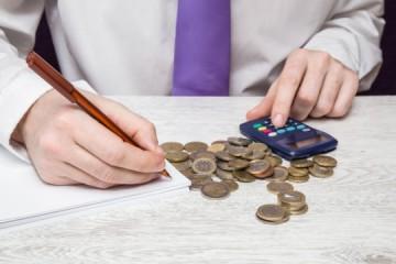 Malé firmy a podnikatelia si od budúceho roka môžu prilepšiť, budú mať nižšie dane