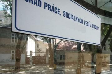 Pokles nezamestnanosti na Slovensku sa zastavil, v troch krajoch pribudli tisícky ľudí bez práce
