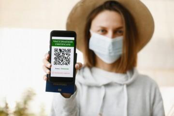 Európsky parlament schválil digitálne COVID pasy, nebude v nich iba potvrdenie o očkovaní