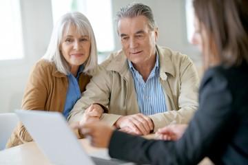 Starobní dôchodcovia.