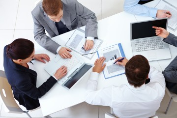 Podnikateľov na Slovensku trápi stav súdnictva, nervozitu vyvoláva aj daň z poistenia