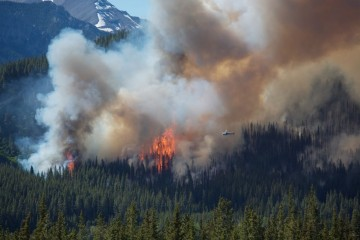 Helikoptéra hasiaca požiar