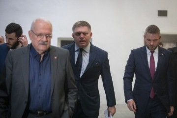 Robert Fico nevystúpil na sneme Smeru-SD, má problémy s tlakom