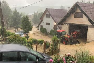 Povodeň v obci Pichne