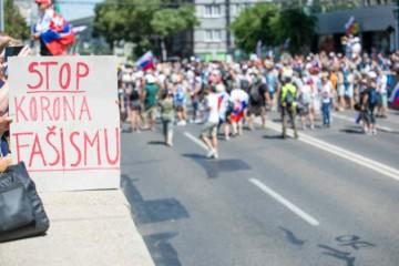 Protesty v Bratislave budú pokračovať aj v piatok, polícia sľubuje udržanie poriadku