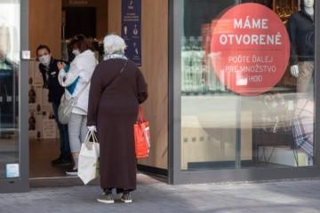 Na Slovensku opäť otvoria viac obchodov, terasy reštaurácií aj kaderníctva. Uvoľňovanie ekonomiky sa zrýchlilo
