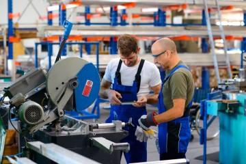 Veľké priemyselné podniky preferovali kurzarbeit, ale žiadny z členov asociácie ešte príspevok nedostal